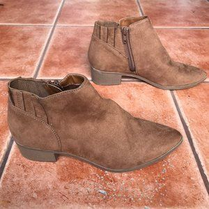American Rag Suede Tori Booties Ankle Boots Sz 7.5